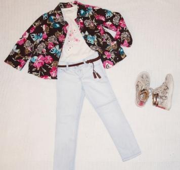 Kordový kabátik, tričko a skinny slimfit rifle GAP, opasok Zara, tenisky Mayoral