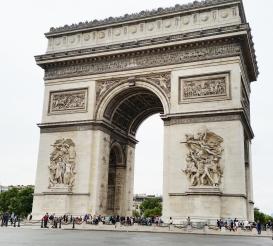 Arc de Triomphe = Víťazný oblúk